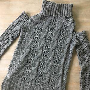 American eagle cold shoulder turtleneck sweater
